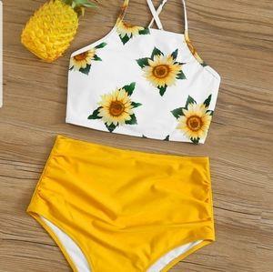 NEW 🌹Sunflower Print Lace-Up Back Bikini Set